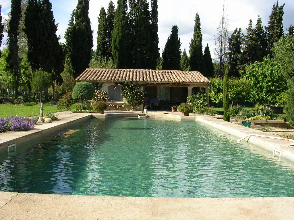 Le mas du meindray les baux de provence for Home piscine